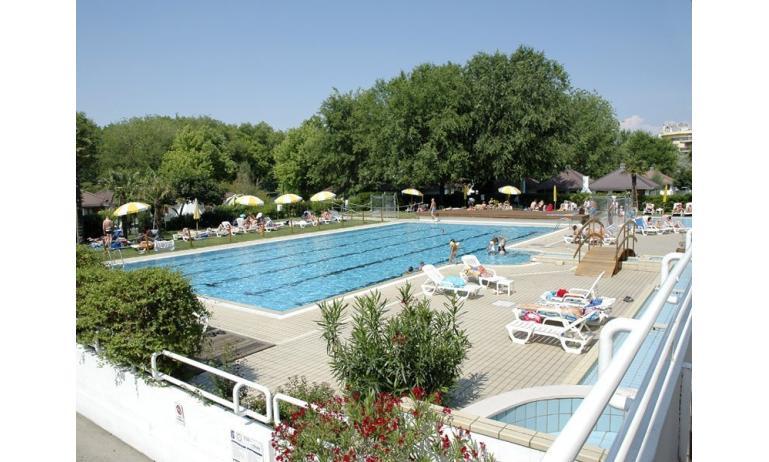 residence LOS NIDOS: piscina