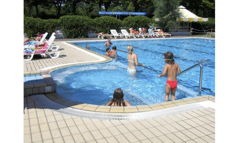 residence LOS NIDOS: piscina bambini