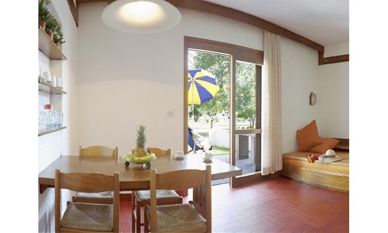 residence LOS NIDOS: Le Rondini soggiorno (esempio)