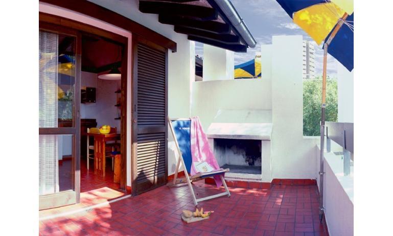 residence LOS NIDOS: Le Rondini balcone (esempio)