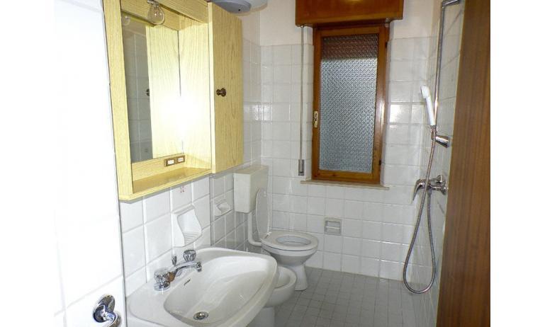 appartamenti ROSY: bagno (esempio)