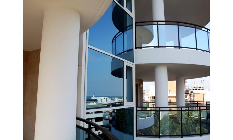 appartament SKY RESIDENCE: balcon (exemple)
