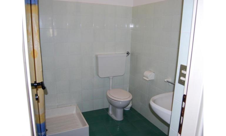 residence ANTARES: bagno (esempio)