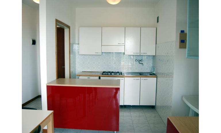 appartamenti BIANCO NERO: angolo cottura (esempio)