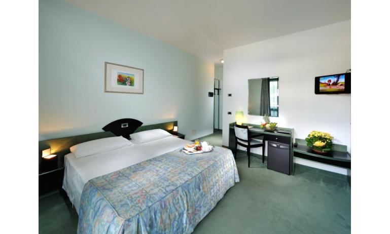 hotel MEDUSA SPLENDID: camera (esempio)
