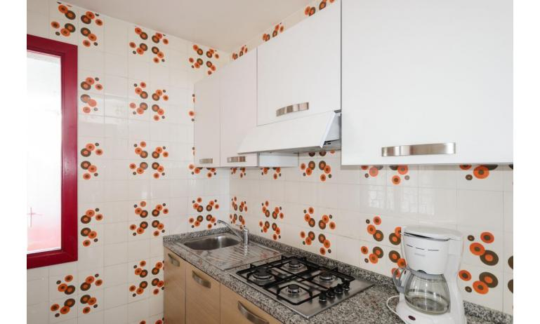 residence HOLIDAY VILLAGE: E9 - kitchenette (example)