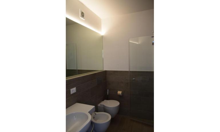 Ferienwohnungen LUNA: B5S - Badezimmer (Beispiel)
