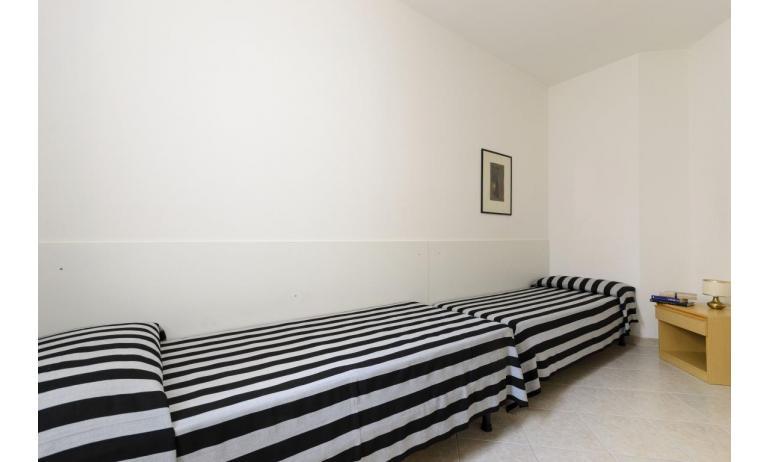 résidence RUBIN: C6 - chambre avec deux lits (exemple)