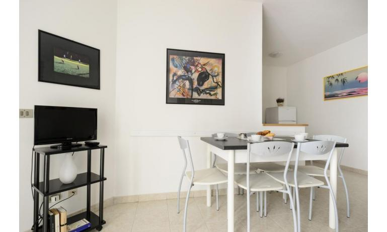 Residence RUBIN: C6 - Wohnzimmer (Beispiel)