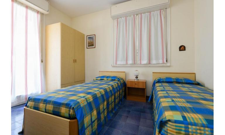 residence SHAKESPEARE: C6 - single beds (example)