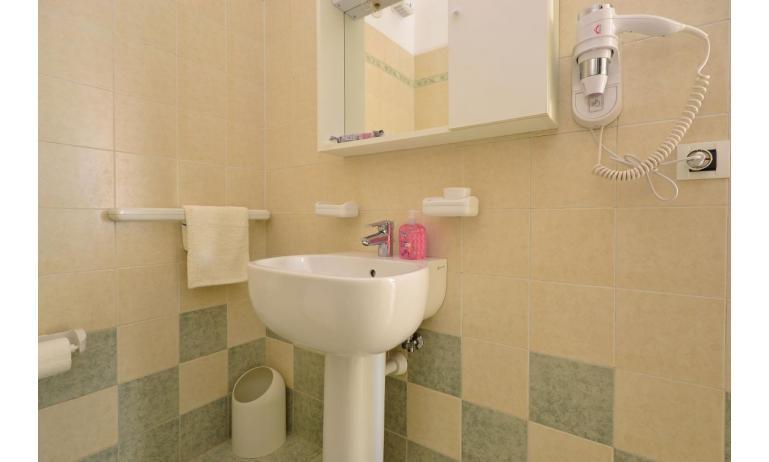 appartamenti VERDE: A2 - bagno (esempio)