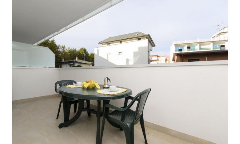 appartamenti VERDE: C6 - balcone (esempio)