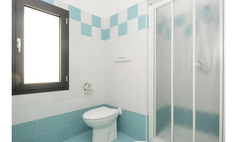 appartamenti VERDE: C6 - bagno con box doccia (esempio)