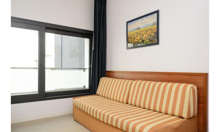 appartamenti VERDE: C6 - divano letto doppio (esempio)