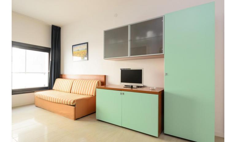 appartamenti VERDE: C6 - soggiorno (esempio)