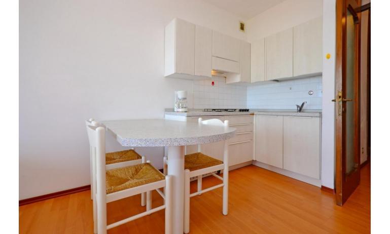 appartamenti INTERNATIONAL: A3 - angolo cottura (esempio)