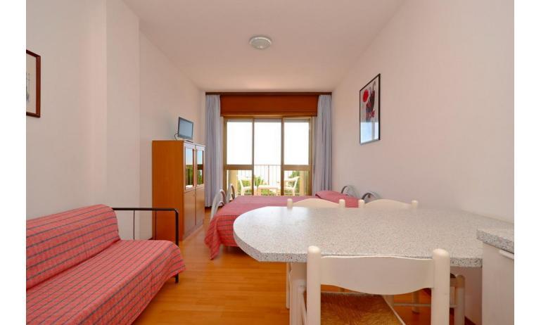 appartamenti INTERNATIONAL: A3 - soggiorno (esempio)