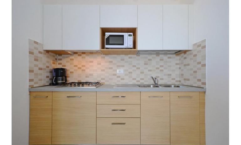 appartamenti INTERNATIONAL: B4 - angolo cottura (esempio)