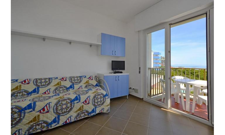 appartamenti INTERNATIONAL: B4 - divano letto doppio (esempio)