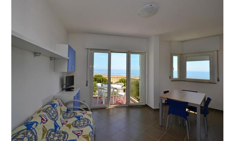 appartamenti INTERNATIONAL: B4 - soggiorno (esempio)
