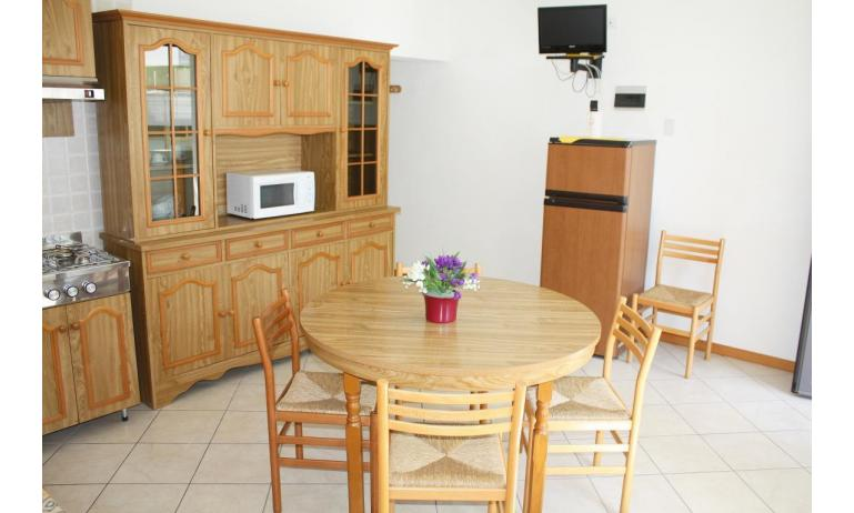 apartments VILLA NODARI: B4 - kitchenette (example)