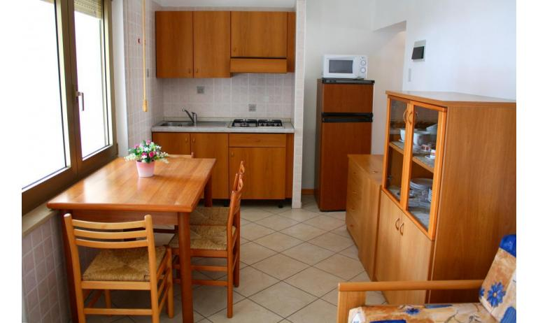 apartments VILLA NODARI: B4/1 - kitchenette (example)