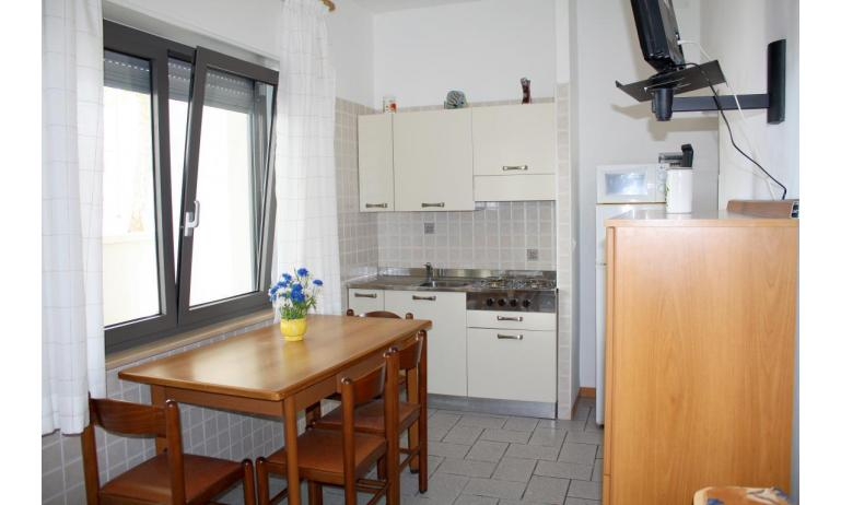 apartments VILLA NODARI: B4/T - kitchen (example)
