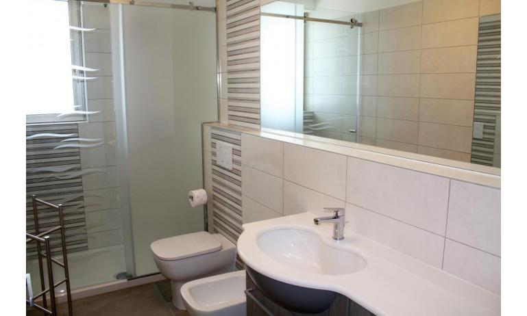 apartments NASHIRA: C8 - bathroom (example)