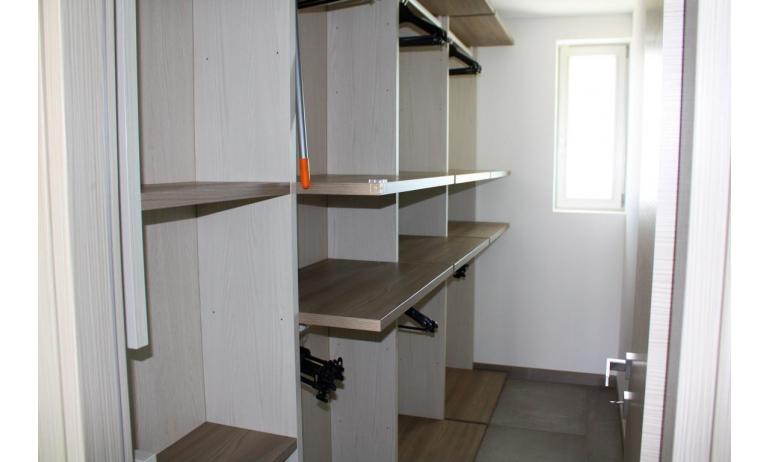 apartments NASHIRA: C8 - closet (example)