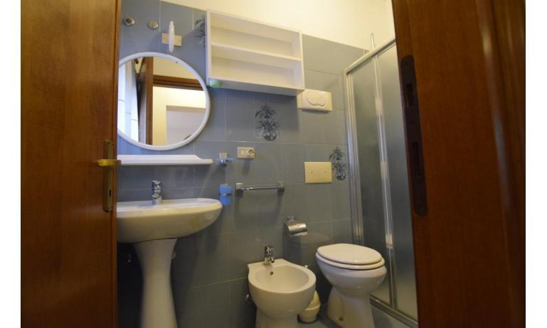 appartamenti VILLA FIORE CARINZIA: B4 - bagno (esempio)