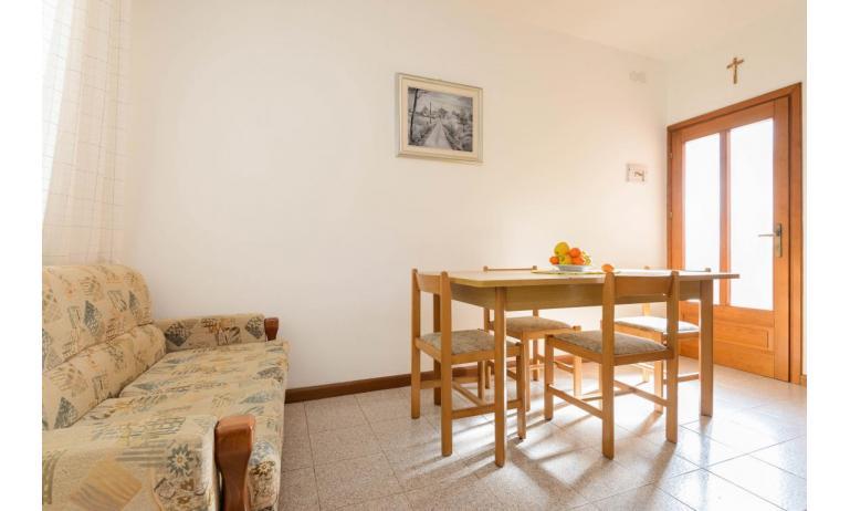 appartamenti VILLA LUISA: C5 - soggiorno (esempio)