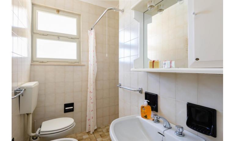 appartamenti VILLA LUISA: C6 - bagno (esempio)