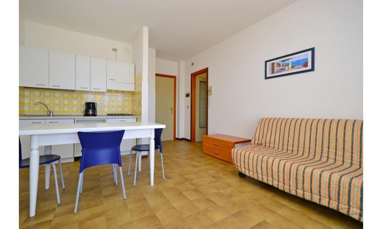 appartamenti SPIAGGIA: B4 - soggiorno (esempio)