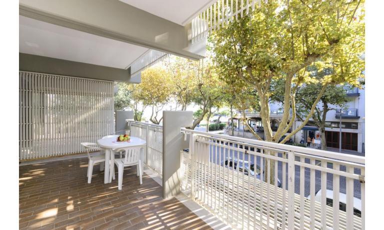 appartamenti SPIAGGIA: C5 - balcone (esempio)