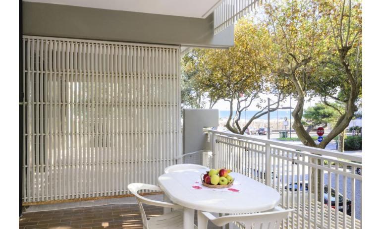 appartamenti SPIAGGIA: C5 - balcone vista mare (esempio)