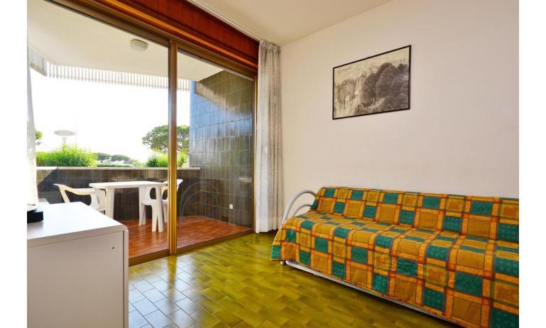 appartamenti MARINA PORTO: B4 - divano letto doppio (esempio)