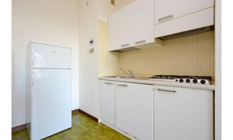 appartamenti MARINA PORTO: B4 - angolo cottura (esempio)