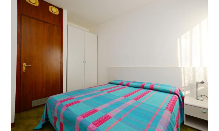 appartamenti MARINA PORTO: B4 - camera matrimoniale (esempio)