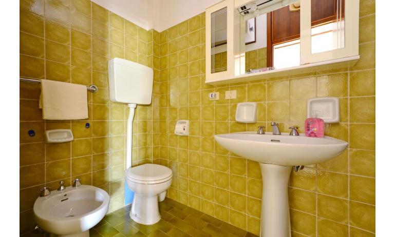 Ferienwohnungen MARINA PORTO: B4 - Badezimmer (Beispiel)