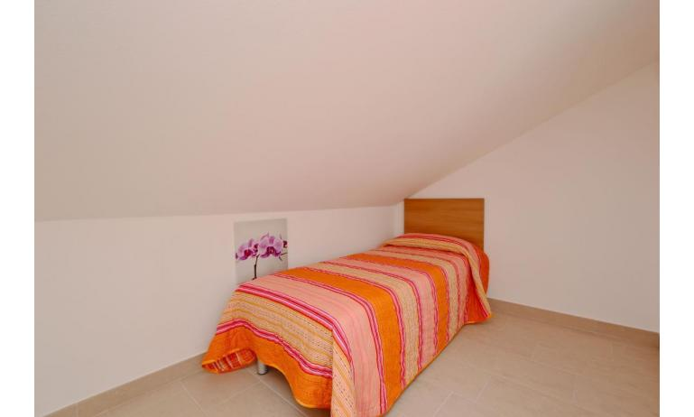 apartments FIORE: B4 - single bed