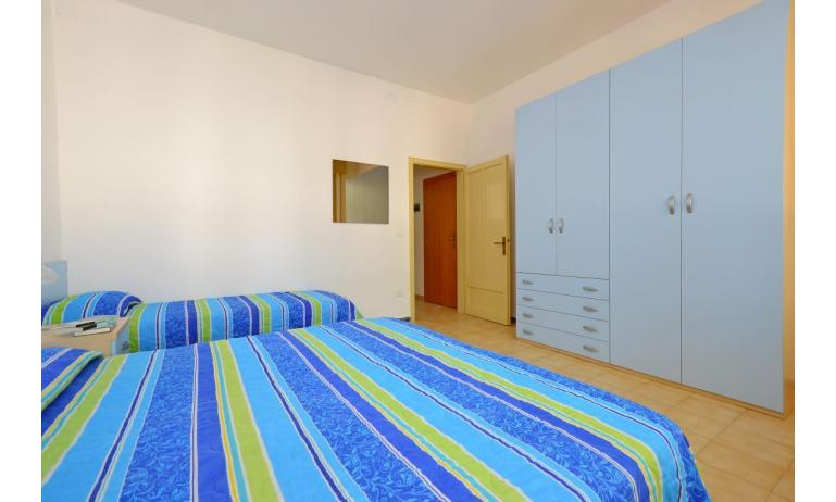appartament JUPITER: B4 - chambre à 3 lits (exemple)