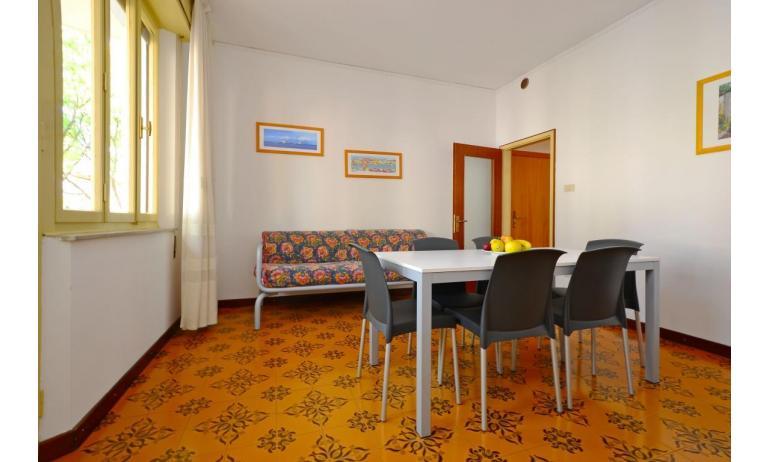 appartament JUPITER: D8 - salon (exemple)