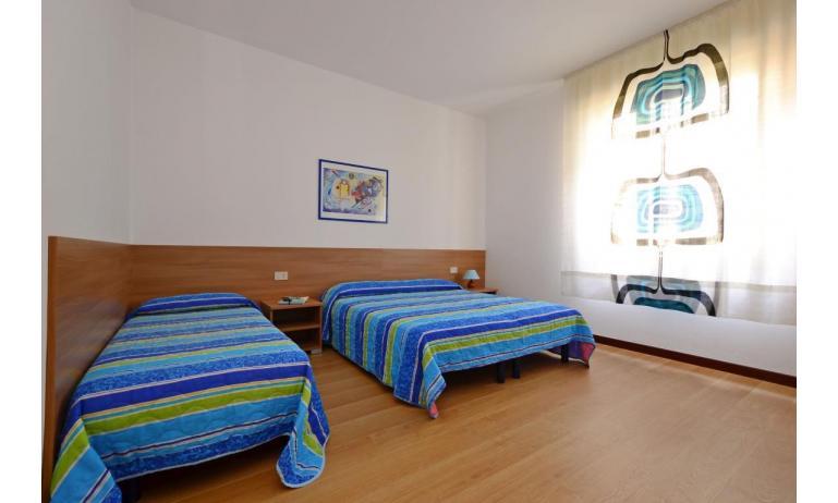 appartament JUPITER: D8 - chambre à 3 lits (exemple)