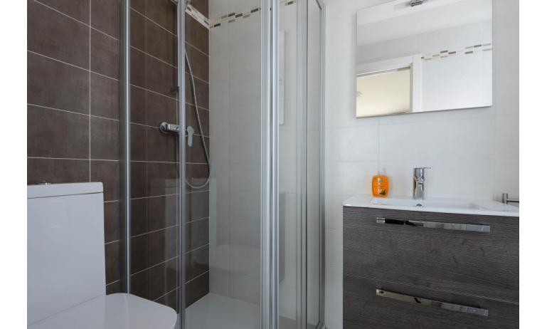 appartamenti VERDE: C6x - box doccia