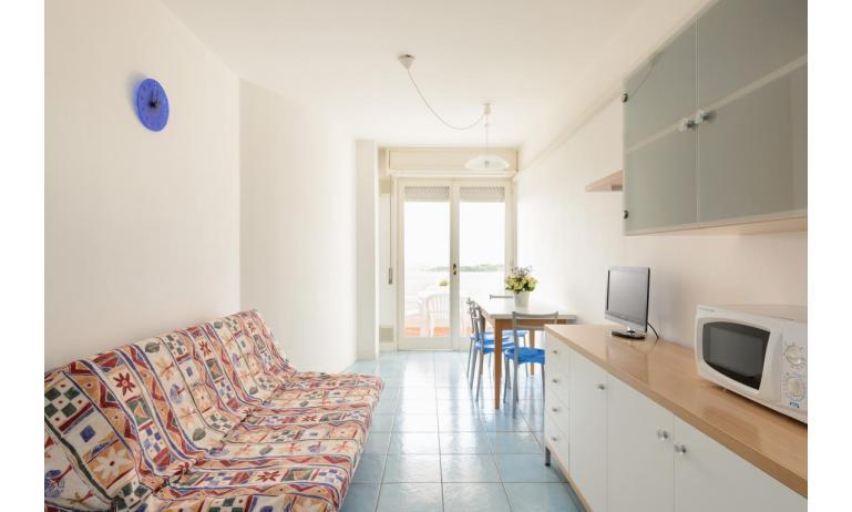Ferienwohnungen LUNA: B4 - Wohnzimmer (Beispiel)