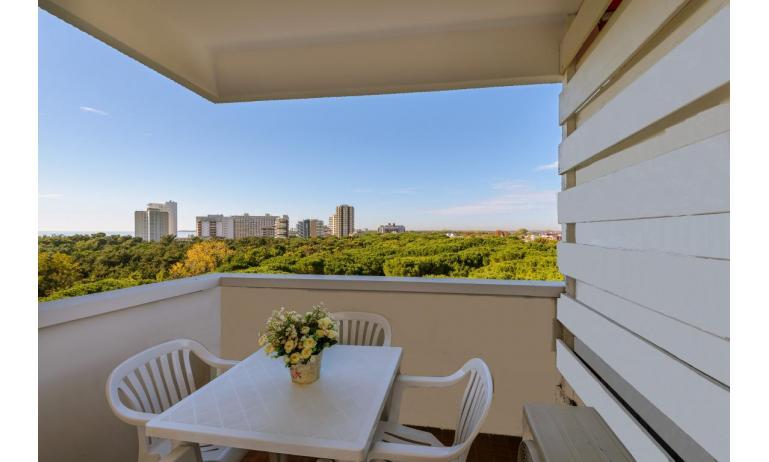 Ferienwohnungen LUNA: B4 - Balkon mit Aussicht (Beispiel)